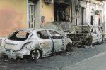 Due auto incendiate a Rosolini, nel mirino un infermiere