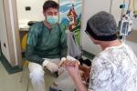 Roberto, da malato di cancro a fisioterapista nel reparto che lo curò