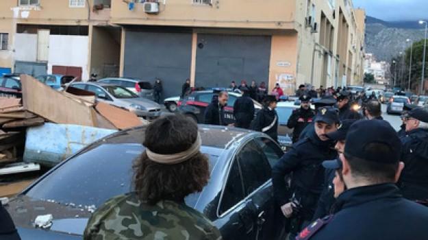 Quarto blitz dopo Brumotti, Zen sottosopra: 9 arresti, sequestrate pistole e droga