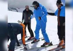 Cannavacciuolo sugli sci? Una frana: lo chef chiede aiuto a San Gennaro