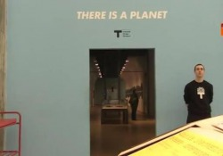 Colori 1Minuto_Ettore Sottsass, There is a Planet
