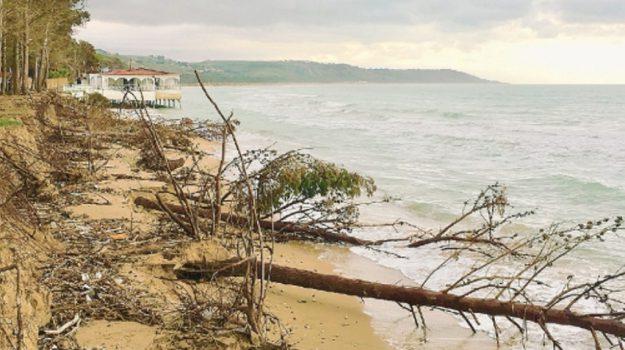 erosione spiaggia cattolica eraclea, Agrigento, Cronaca