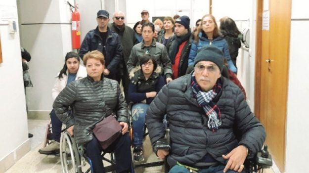 protesta disabili gela, Caltanissetta, Cronaca