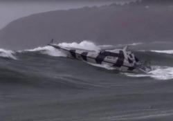 Ecco la barca impossibile da capovolgere
