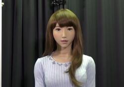 Erica, il robot giapponese che condurrà il tg, viene intervistata in inglese