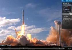 Falcon Heavy, ok il volo di prova del razzo di Elon Musk