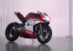 In pista con la Ducati Panigale V4S