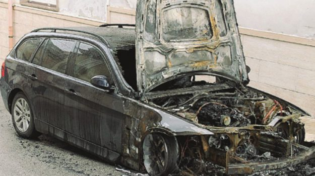 incendio auto rosolini, Siracusa, Cronaca