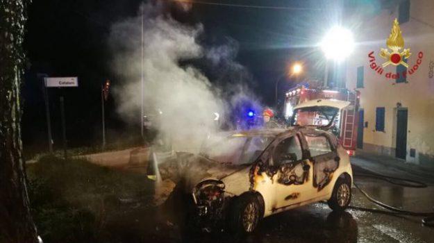 auto fuori strada, incidente stradale, Simonetta Zanobini, Palermo, Cronaca