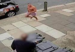 Inghilterra: consuma cocaina e alcool, esce in mutande in strada e uccide un turista