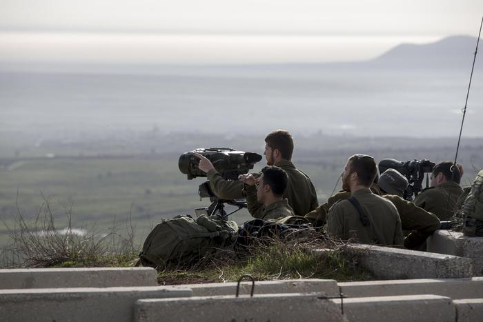 Siria, F16 Israele si schianta, colpito in raid su