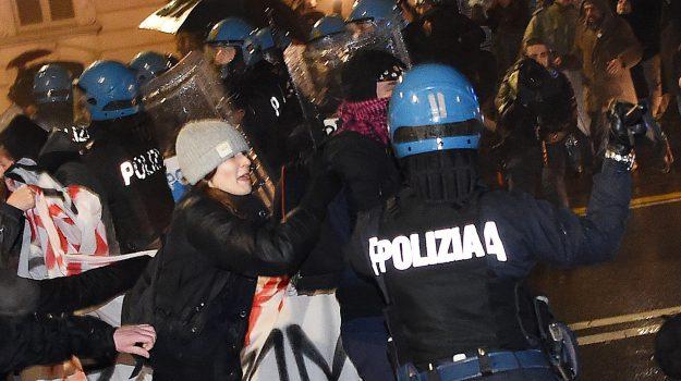 Fascisti e antifascisti, Palermo blindata Oggi pomeriggio i cortei in centro Viminale: niente sconti agli estremisti