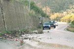 Massi sulla strada di Alcara Li Fusi, due feriti