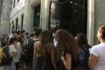 Tra gli studenti del Liceo Parini di Milano