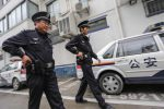Minivan su un marciapiede a Shangai, ferite 18 persone