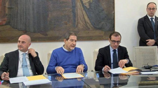 aiuti imprese sicilia, regione sicilia, Nello Musumeci, Sicilia, Politica