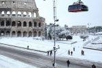 """Neve a Roma, ironia sul web: """"Olimpiadi invernali a Montemario e Gianicolo"""" - Tutte le foto"""