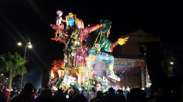 """""""L'ago della bilancia"""" è il carro vincitore del Carnevale di Sciacca 2018 - Foto"""