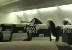 Paura in volo: l'aereo finisce in mezzo alla tempesta di fulmini