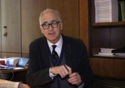 Perché l'Italia è il paese delle 200 tasse