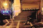 Paura a Pettineo, esplosione distrugge negozio di alimentari