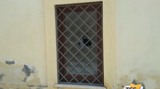 Spari contro la Casa dei Migranti a Pietraperzia