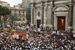 A Catania migliaia di fedeli in piazza per la festa di Sant'Agata: il video con la Salita dei Cappuccini