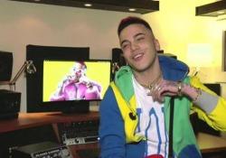 Sfera Ebbasta, il nuovo fenomeno rap che fa impazzire i teenager: «Soldi, successo e...»