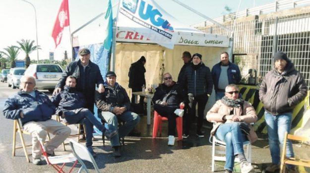 protesta gela operai, Caltanissetta, Cronaca