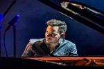 Somebody to Love, il capolavoro dei Queen in un'incredibile versione tutta al piano