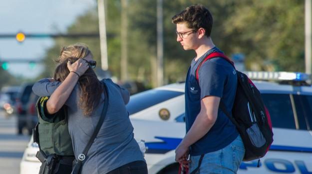 sparatoria scuola america, strage florida, Nicholas Cruz, Sicilia, Mondo