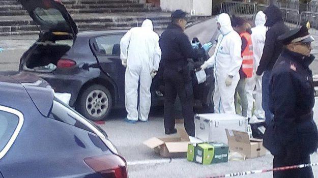 sparatoria macerata, Catania, Cronaca
