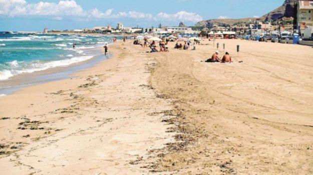 erosione spiagge erice, Trapani, Cronaca