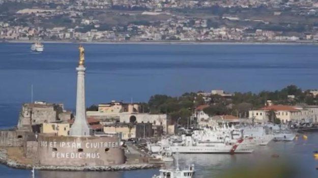 stretto di messina, Messina, Economia