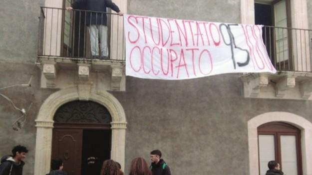 studentato occupato 95100, università di catania, Catania, Cronaca