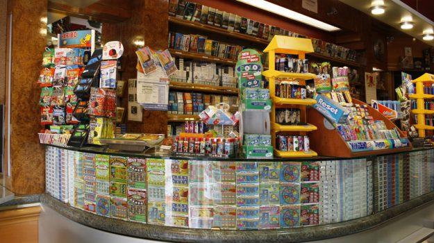 rapina tabaccheria lentini, Siracusa, Cronaca