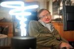 É morto Stephen Hawking, esattamente 139 anni dopo la nascita di Einstein