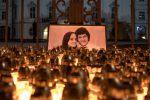 Lumini in onore del reporter ucciso in Slovacchia, Jan Kuciak