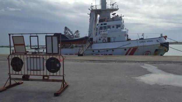 immigrazione clandestina, migranti, nave ong sequestrata pozzallo, ProActiva Open Arms, Oscar Camps, Ragusa, Cronaca