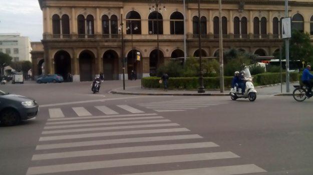 centro storico, Piazza Giulio Cesare, rapina, via crispi, Palermo, Cronaca