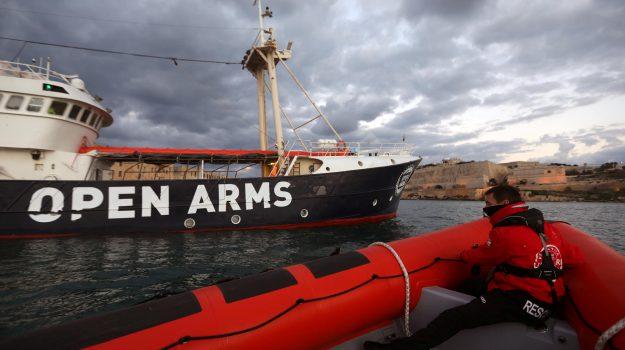 migranti, navi ong, Open Arms, Sicilia, Mondo