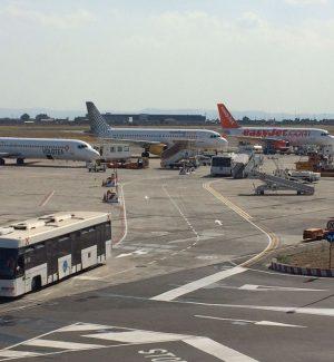 Catania, sale in aereo con una lama nascosta nella carta credito: denunciato