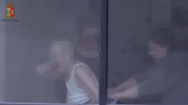Anziana picchiata a Trapani, arrestate le badanti