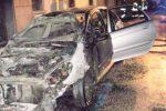 Nuovo attentato incendiario a Gela, in fiamme l'auto di una casalinga