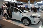 Gli italiani sognano l'auto elettrica, diesel in calo