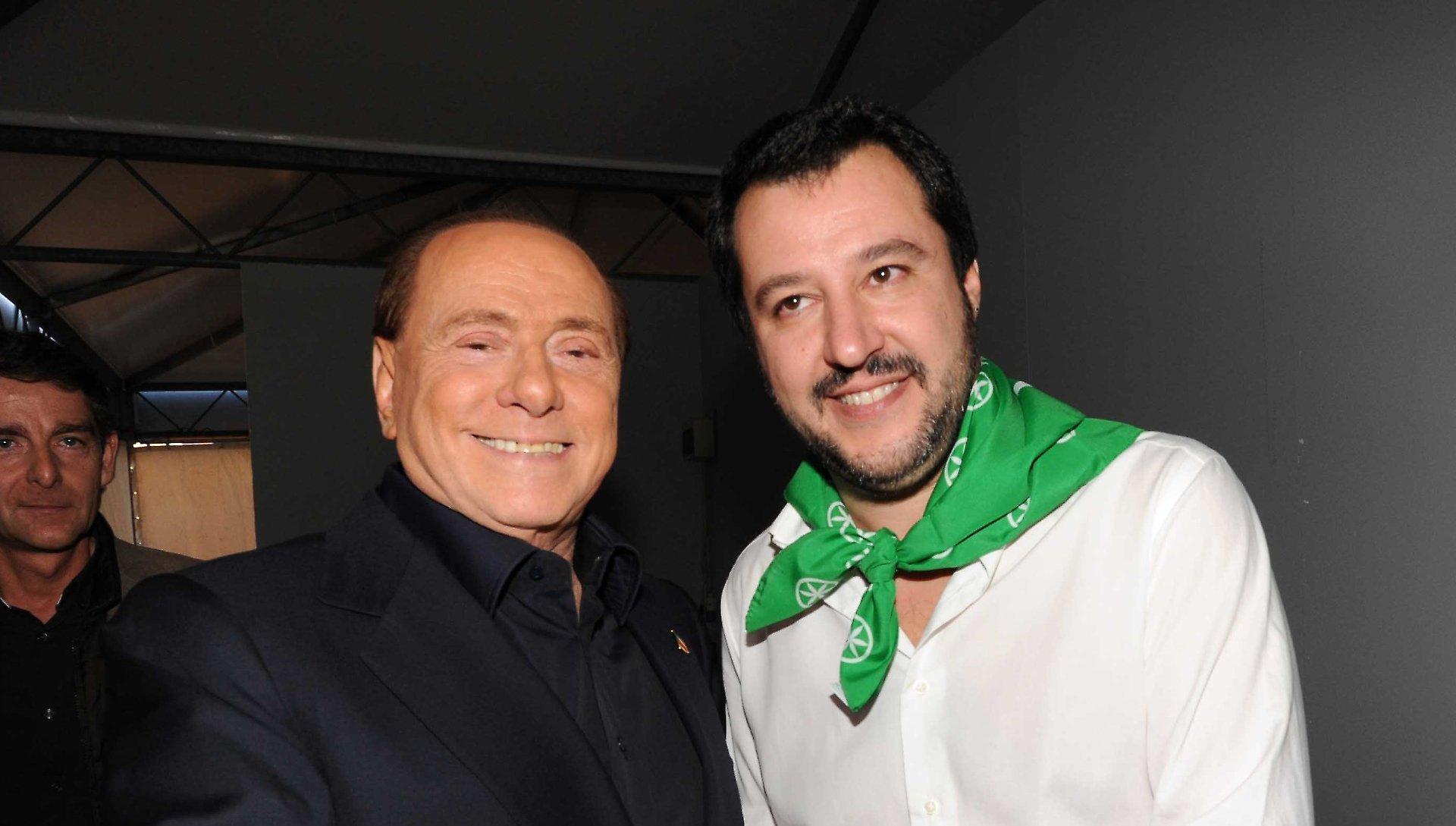 Salvini premier in pectore flirta con i Cinque Stelle