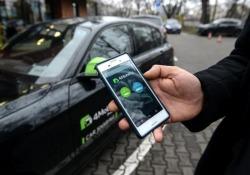 Il car sharing 'frena' l'acquisto di auto nuove