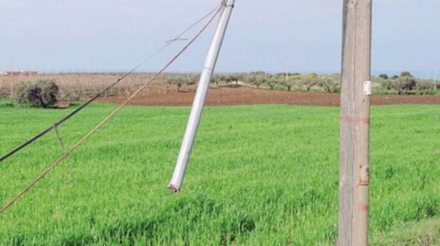 Ladri di rame ad Agrigento, tranciati i cavi della telefonia in contrada Zingarello