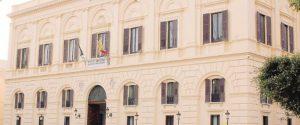 L'ex sindaco di Trapani cita il Comune per il rimborso di una fattura