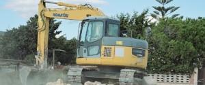 Belpasso, al via le demolizioni di costruzioni abusive nel parco dell'Etna